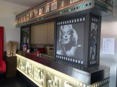 Grossansicht in neuem Fenster: 150_Cinehotel Empfang